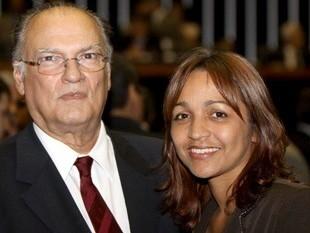 http://www.blogdojorgearagao.com.br/wp-content/uploads/2012/06/elizianeerobertofreire.jpg