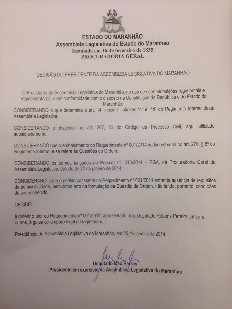 Max Barros rejeita recursos de oposicionistas
