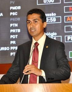 Marco Aurélio ficará na CCJ
